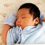 diapers-600x450 おむつ替えはこれでもう悩まない!手際よく出来るおむつ替え。おむつ替えシート活用術。