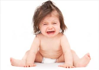 baby-crying 赤ちゃんの便秘を薬や綿棒以外で改善!プロ整体師が教える自宅ケア