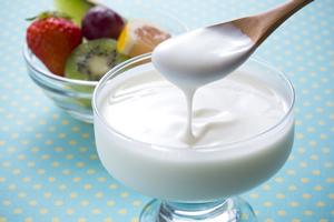 インフルエンザ予防に効果ある食べ物、R-1ヨーグルトを自宅で大量に作る方法。