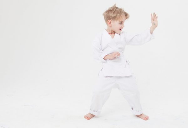 karate-600x409 子供の習い事 / 空手と受験で成長を実感したこんなやる気の変化!