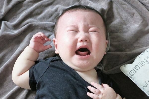 crying-baby-600x399 育児ノイローゼをパパのフォローで乗り切る!リアルな体験談と改善するまでを解説します!