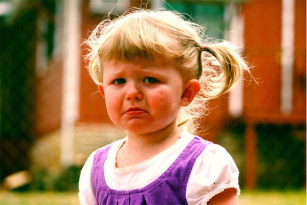 crying-baby2-600x400 赤ちゃんの人見知りの原因と解消するこんな対策