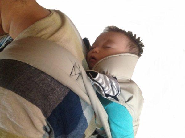 piggyback-ride-600x450 おんぶはいつからやるべきか?赤ちゃんにとってのメリット・デメリット