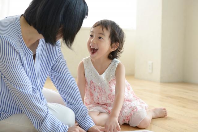 子供がウザいくらいくっついてくる意味と意識すべき正しい接し方